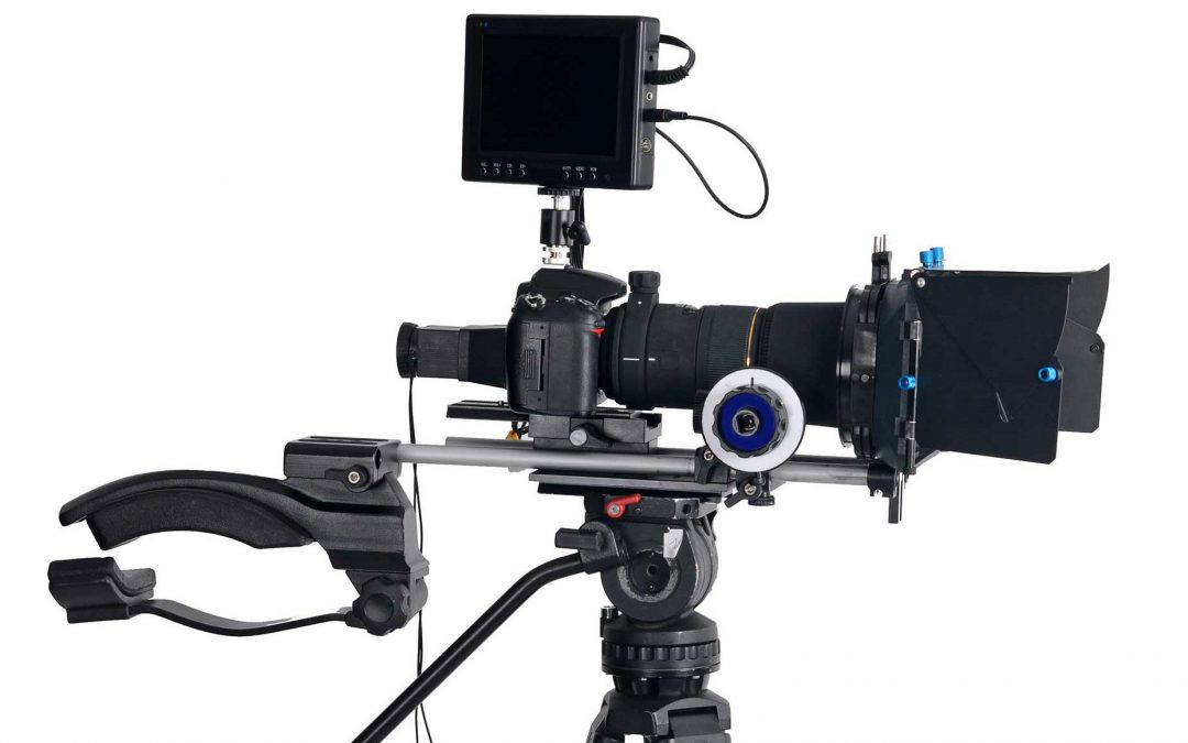 The Camera Buyers Guide 2018 – Choosing Camera Features, Lenses, & Tripods